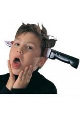 Couteau qui transperse la tête